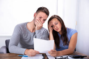 Bankkonto Probleme Paar